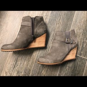Caslon Addison suede wedge booties